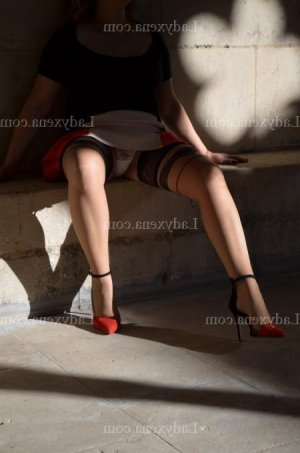 Daouia sexemodel massage tantrique à Reims